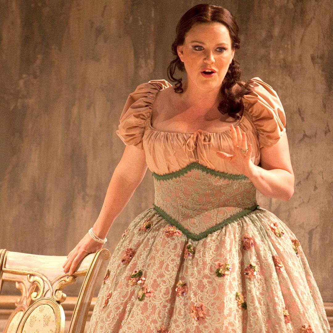 Erin Wall as Violetta in La Traviata (2011)